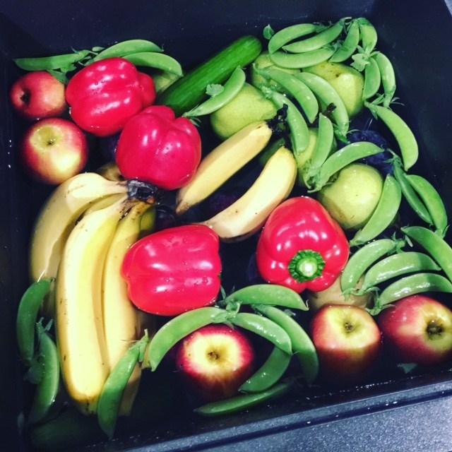 WA-fruit-veg-farmers-market-on-manning